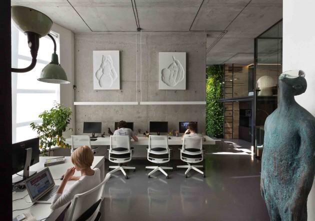 Văn phòng đơn giản tận dụng ánh sáng tự nhiên tối ưu