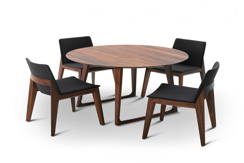 Thiết kế bàn tròn tạo sự hòa hợp cho các thành viên trong gia đình