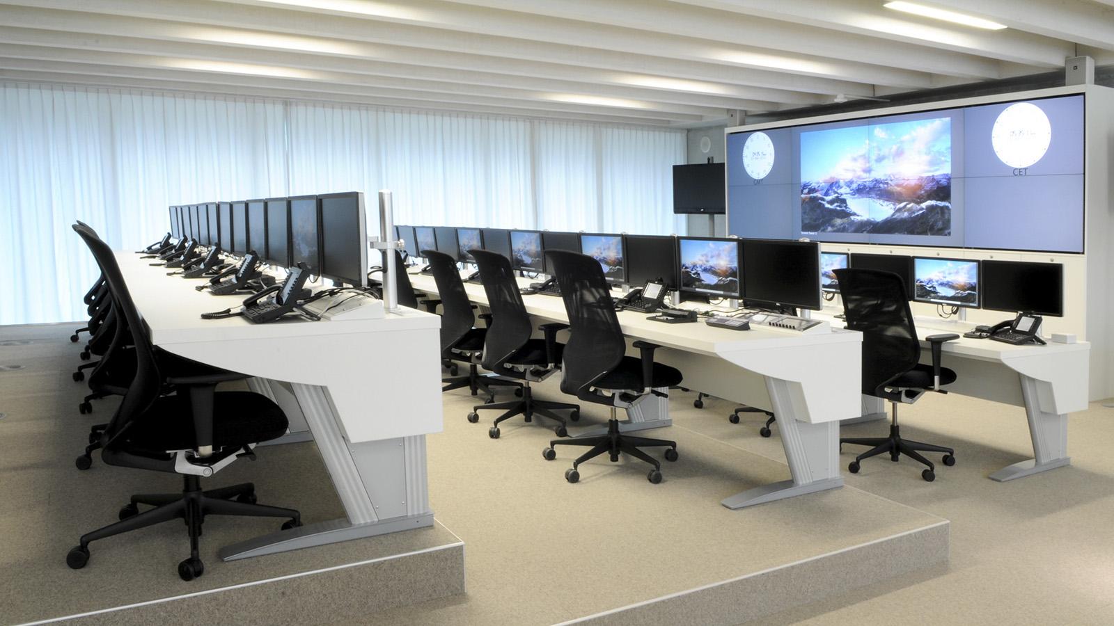 Một không gian làm việc hiện đại sẻ giúp văn phòng trở nên đặc biệt, tăng sự hứng khởi trong công việc cho đội ngũ nhân viên