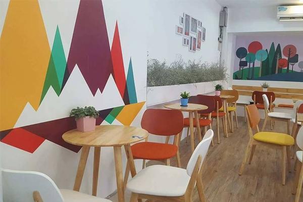 bàn ghế đẹp quán trà sữa