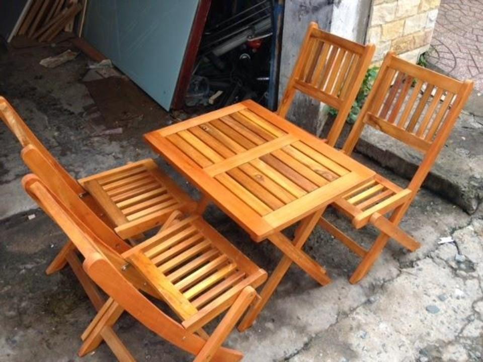 Mẫu bàn ghế gỗ cho quán cafe với thiết kế pallet đơn giản