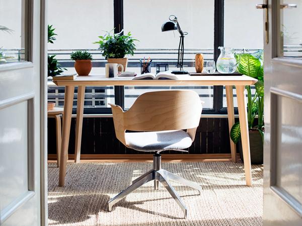 kích thước bàn làm việc trong phòng ngủ