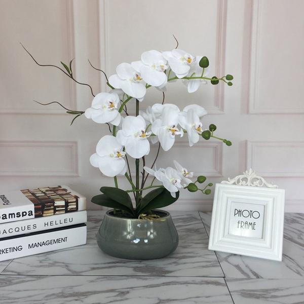 hoa nhựa trang trí phòng khách
