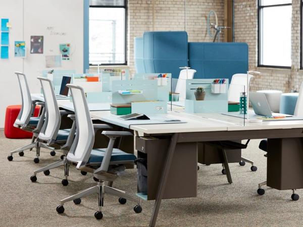 bàn làm việc văn phòng có vách ngăn