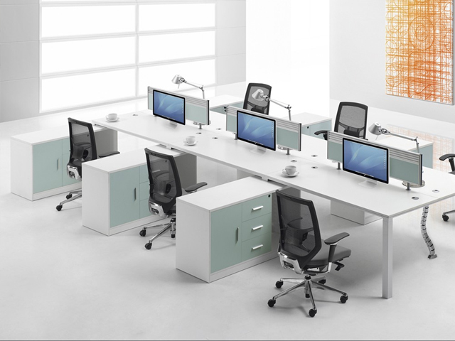 bàn văn phòng có vách ngăn