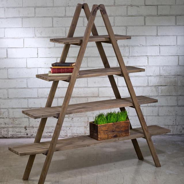 Kệ trưng bày sản phẩm bằng gỗ