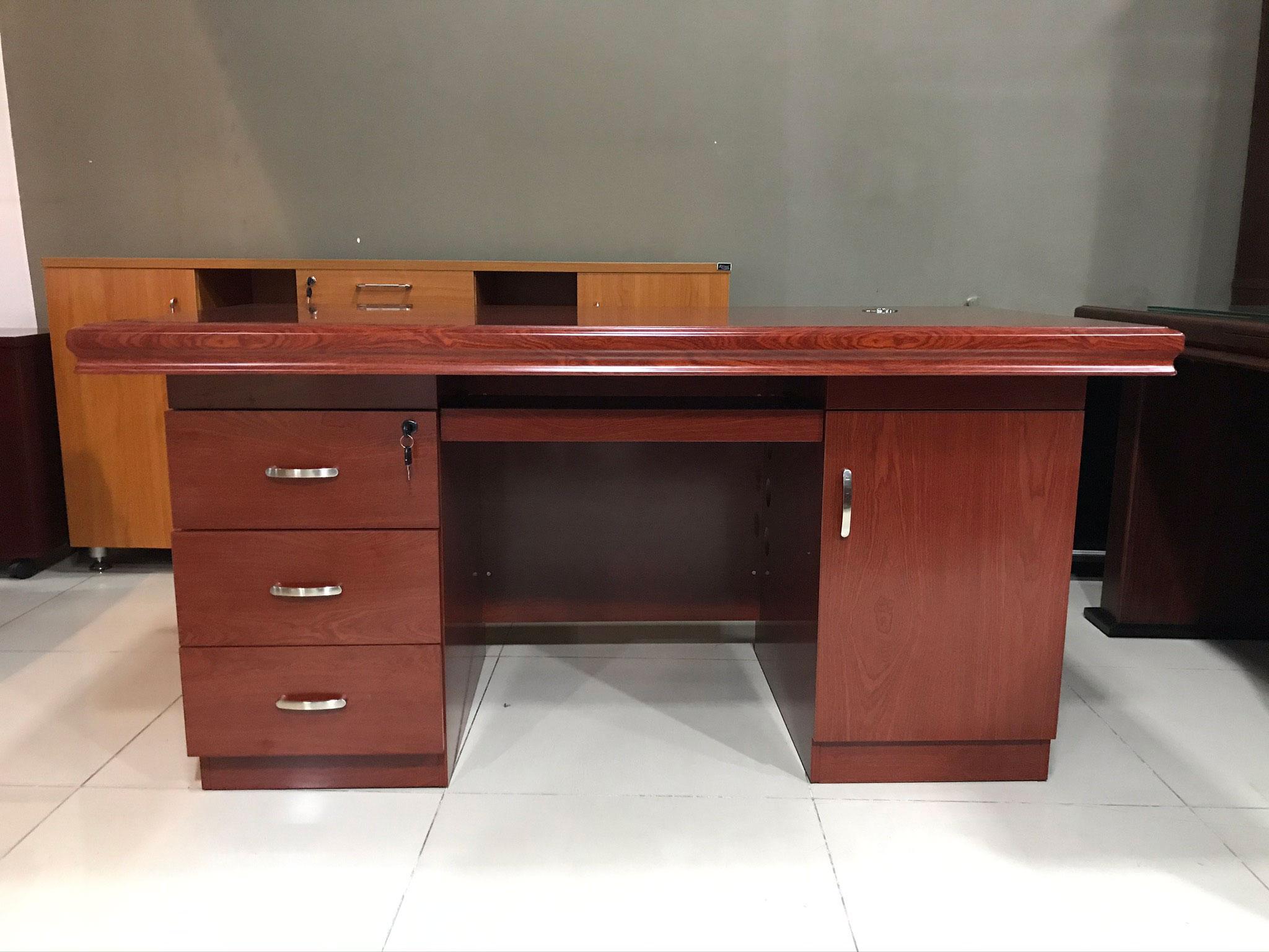 bàn giám đốc thanh lý giá rẻ B0416