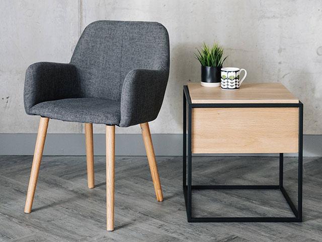 bàn ghế trang trí phòng ngủ