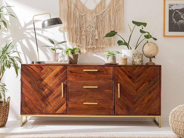 tủ trang trí phòng khách gỗ tự nhiên